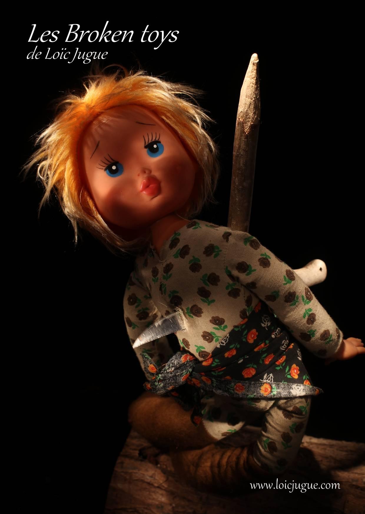 Les broken toys de Loïc Jugue:  La poupée et le pal