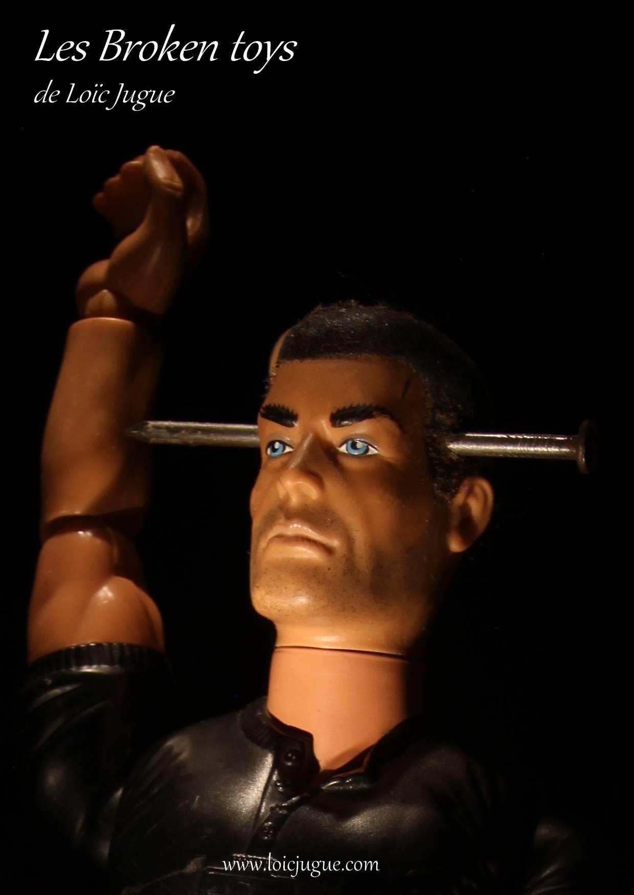 Les broken toys de Loïc Jugue: L'homme à la tête clouée (détail)