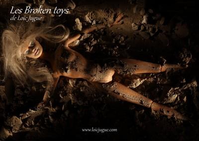 Les broken toys de Loïc Jugue: Poupée béton