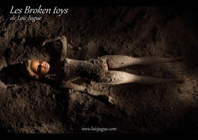 Les broken toys de Loïc Jugue: Poupée de cendre